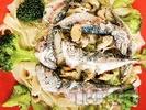Рецепта Салата от паста, броколи, миди и сардини